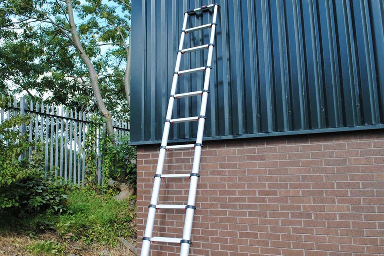 Outdoor portable telescopic ladder